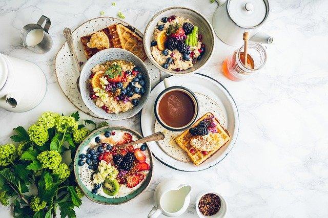 Tipy na zdravé snídaně, které zasytí a jsou přitom proklatě dobré