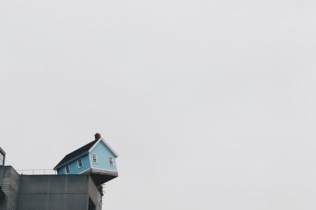 dům na hraně
