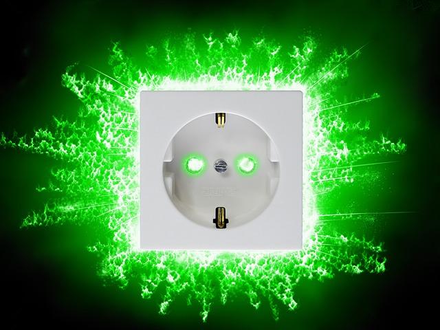 zeleně zářící zásuvka.jpg