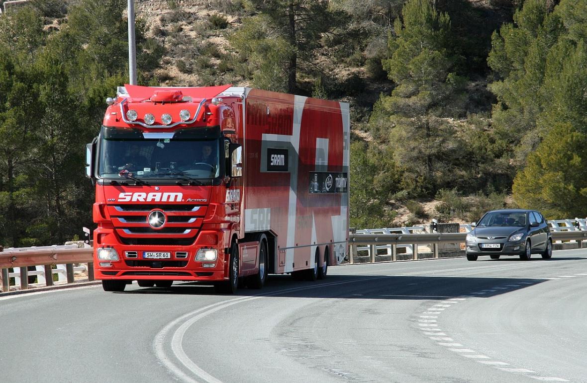 jedoucí kamio