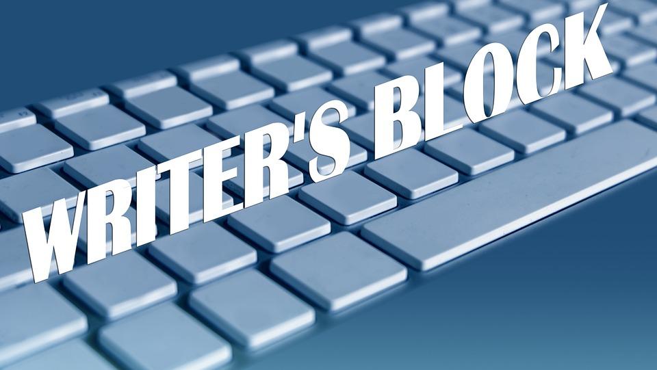 modrá klávesnice